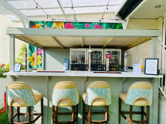 Thornton Hall new cocktail bar
