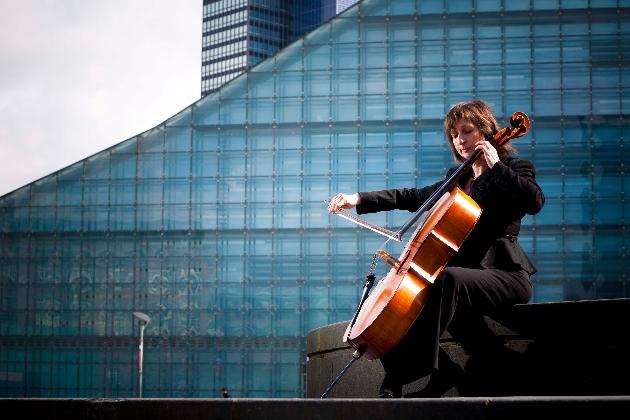 Claire Thackeray CelloUna